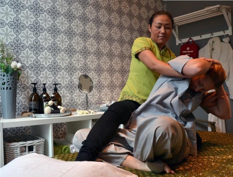 thaimassage slussen vad är thaimassage